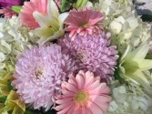 124 Pastel Presentation style bouquet - not arranged in a vase