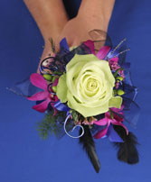 A NIGHT TO REMEMBER Handheld Bouquet in Arlington, VA | BUCKINGHAM FLORIST, INC.