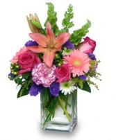 SPRINGTIME REWARD Vase of Flowers in Davis, CA | STRELITZIA FLOWER CO.
