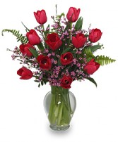 TIPTOE THROUGH THE TULIPS BOUQUET in Milwaukee, WI | SCARVACI FLORIST & GIFT SHOPPE