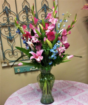 Abundant Spring  in Universal City, TX | KAREN'S HOUSE OF FLOWERS & CUSTOM CREATIONS