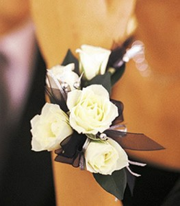 ALL WHITE SWEETHEART ROSES CORSAGE OR WRISTLET