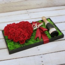Be Mine Heart Roses and Bubbly