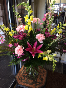 Bombshell Lily Bouquet