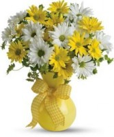 Cheerful Daisies Vase Arrangement