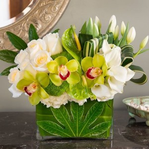 Contemporary Style Bouqet  Flower Arrangement in Burbank, CA | LA BELLA FLOWER & GIFT SHOP