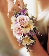 SWEET & CLASSIC CORSAGE Prom Corsage