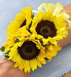 COUNTRY CHARM CORSAGE