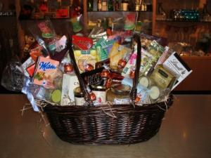 Custom Gourmet Basket  in Toronto, ON | THE NEW LEAF FLOWERS & GIFTS