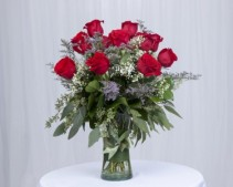 Dailey's Classic Red Roses Roses in Vase