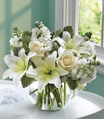 EIGHTS VASE ARRANGEMENT