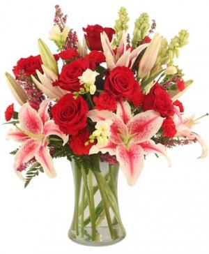 Glamorous Bouquet in Johnston, SC | RICHARDSON'S FLORIST
