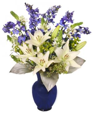 HAPPY HANUKKAH BOUQUET Holiday Flowers in West Hills, CA | RAMBLING ROSE FLORIST