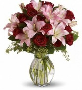 Lots of Love in Largo, FL | ROSE GARDEN FLOWERS & GIFTS INC.