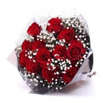 GRADUATION 12 RED ROSES WITH BABY'S BREATH  PRESENTATION BOUQUET!!