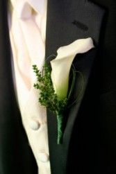 Mens Boutonnieres Fresh/Silk Flowers