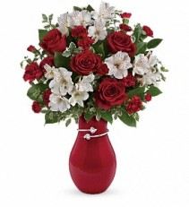 Pair of Hearts Teleflora Bouquet
