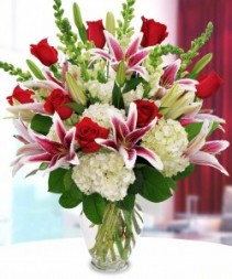 THE WOW ME BOUQUET!!! #1 SELLER ROSES, HYDRANGEAS, LILYS AND MUCH MORE!!