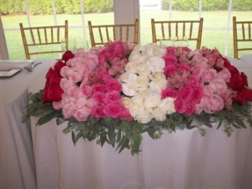 SHADES OF PINK SWEETHEART TABLE