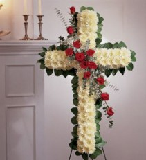 STANDING CROSS WHIT ROSES Traditionally sant to funeral home
