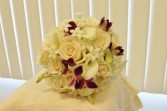 Bridal bouquet with calla lilies