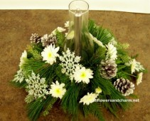 Warm glow/silver and white Table center