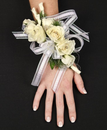 HIGH STYLE WHITE Corsage