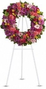 SS 19-Wreath of mixed flowers Flowers and colors may vary