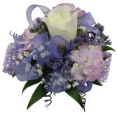 1 white Roses 2 lavender carns purpl Wrist Corsage