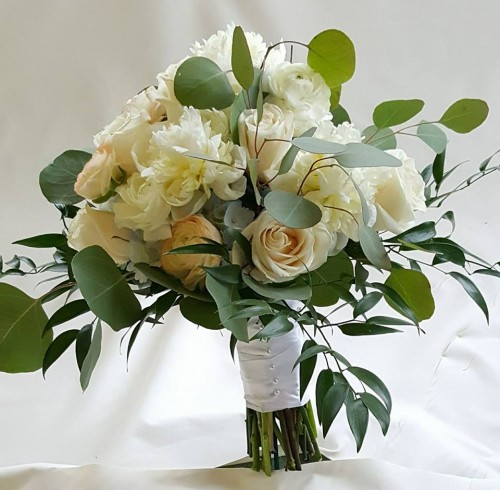 Wedding flowers from breitingers flowers gifts your local white wedding flowers from breitingers flowers gifts your local white oak pa mightylinksfo